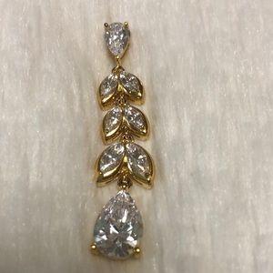 Gold finished Diamon Daura Daphne Pendant